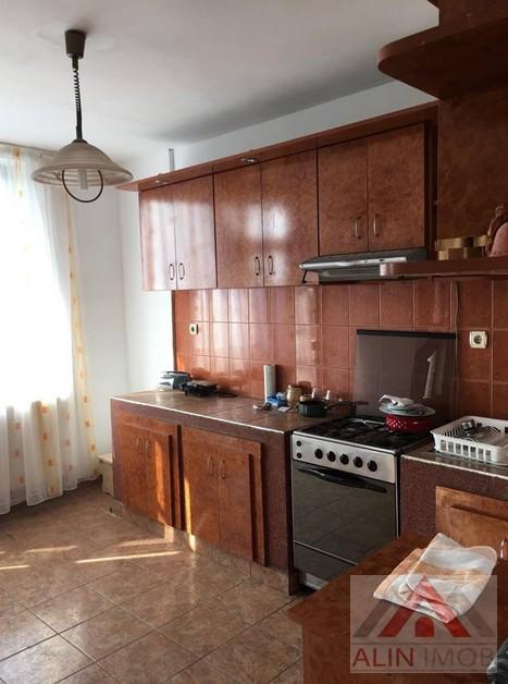 Ap.4 camere,Zona Titulescu 259