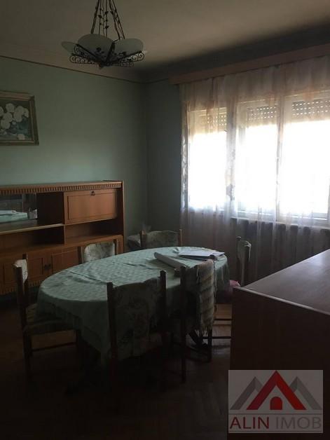 Ap.3 camere,Zona Titulescu 327